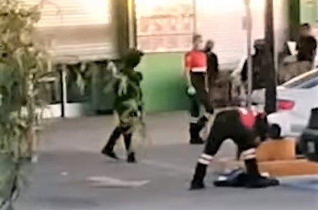 ¡Ejecutaron a 2 hombres en el estacionamiento de una Aurrera en Fresnillo!