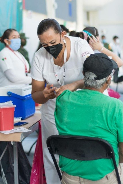 ¡90 por ciento de los mayores de 60 años en el Estado ya tienen primera dosis contra coronavirus: Aldo Ruíz!