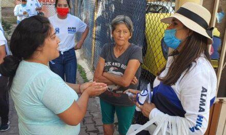 ¡Alma Hilda Medina se compromete a gestionar recursos para las mujeres jefas de familia!