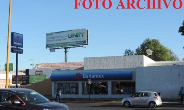 ¡Asaltaron a cuentahabiente en Aguascalientes a punta de pistola y le robaron $310 mil en efectivo!