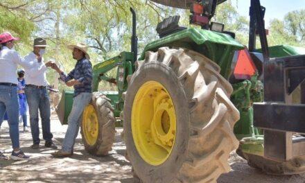 """¡Con """"Campo productivo"""" Toño Arámbula se la rifa por agroproductores!"""