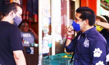 ¡Leo Montañez difunde sus propuestas con clientes y locatarios del Centro Comercial Agropecuario!