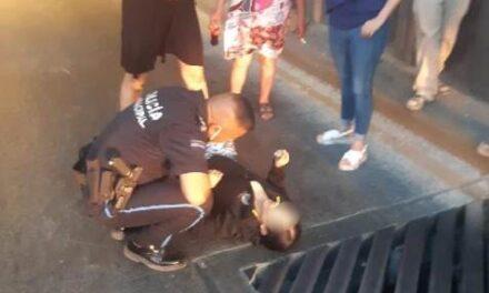 ¡Mujer paciente psiquiátrica intentó matarse lanzándose desde lo alto de un puente vehicular en Aguascalientes!