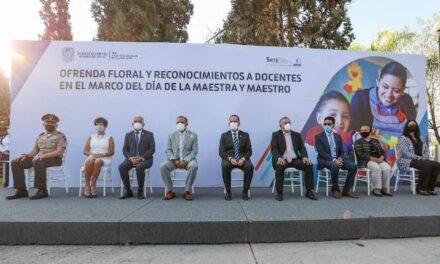 ¡Reconoce gobernador Martín Orozco a maestras y maestros de Aguascalientes!