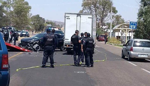 ¡Espectacular persecución en Aguascalientes dejó 1 detenido y 2 lesionados!