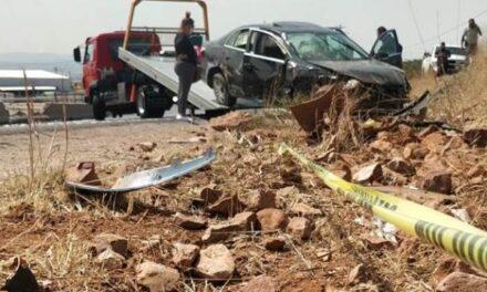¡Volcadura de un auto en Guadalupe dejó una mujer muerta y otra lesionada!