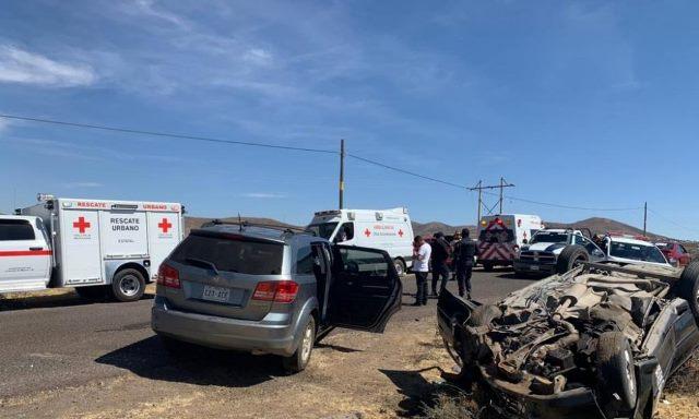 ¡Choque-volcadura dejó 1 muerto y 6 lesionados en Vetagrande!