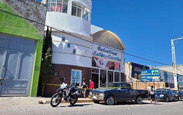 ¡Intentaron ejecutar a un hombre en una inmobiliaria en Guadalupe!