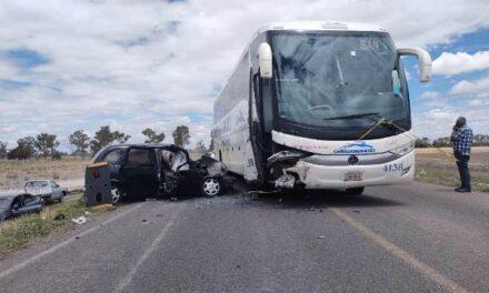 ¡1 muerta y 4 lesionados tras doble accidente en Betulia, Jalisco!