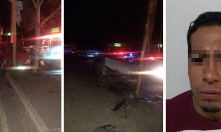 ¡1 muerta y 2 lesionados tras fuerte choque entre una camioneta y un auto en Aguascalientes!