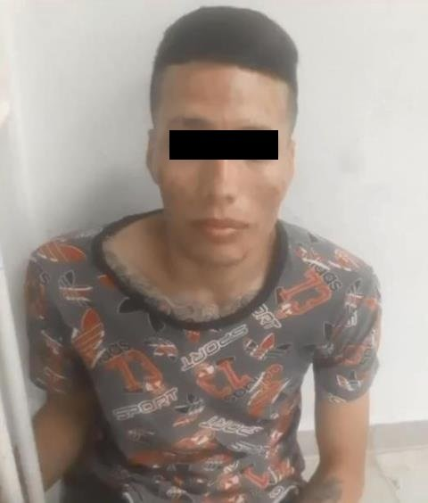 ¡Detuvieron a drogado sujeto que intentó asesinar a su familia y matarse en Aguascalientes!