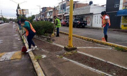 ¡Municipio realiza intensas brigadas de limpieza en el oriente de la capital!