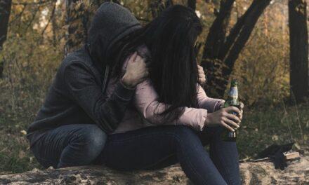¡Aumenta alcoholismo y embarazo no deseado entre adolescentes de secundaria: Ruth Guzmán Cuevas!