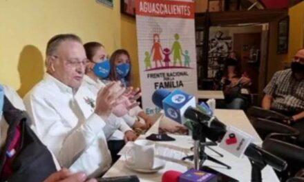 ¡Lo que se tiene entre las piernas no es determinante para entrar en política: Carlos García Villanueva!