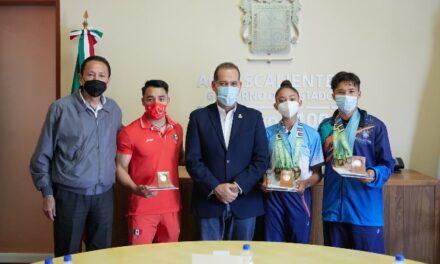 ¡Reconoce gobernador Martín Orozco a jóvenes deportistas aguascalentenses!