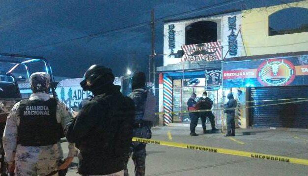 ¡Ejecutaron a seis hombres en una barbería y en la vía pública en Guadalupe!