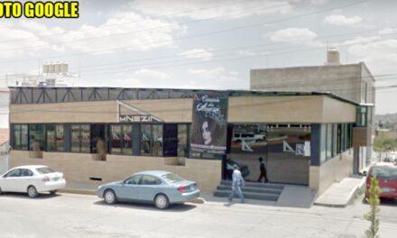 ¡Ejecutaron a una pareja de 60 balazos afuera de un bar en Fresnillo!