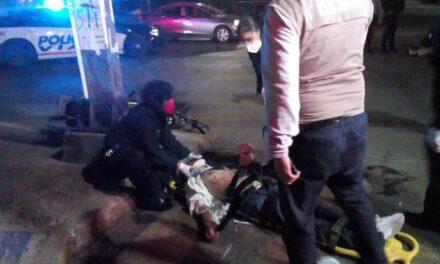 ¡1 muerto y 1 lesionada tras choque entre una motocicleta y una camioneta en Aguascalientes!
