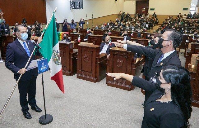 ¡Asiste gobernador Martín Orozco a la toma de protesta de la LXV Legislatura del Congreso del Estado!