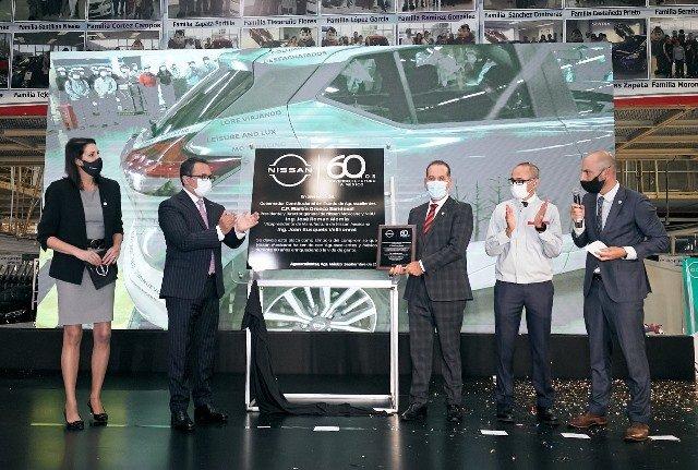 ¡Celebra gobernador Martín Orozco 60 aniversario de Nissan Mexicana!