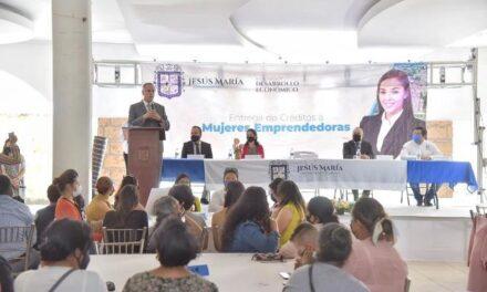 ¡Entregan apoyos económicos a mujeres emprendedoras de Jesús María!