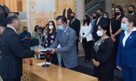 ¡Gobernador de Aguascalientes entrega quinto informe de gobierno al Congreso Estatal!