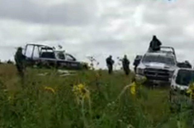 ¡Hallaron a una mujer ejecutada y con un narco-mensaje en una terracería en Fresnillo!