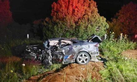 ¡Dos muertos tras fuerte choque entre dos vehículos en Sombrerete!