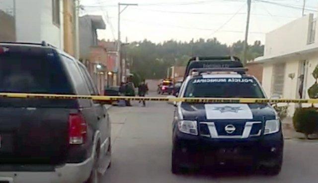 ¡Ejecutaron a un ex policía a bordo de su camioneta en Fresnillo!
