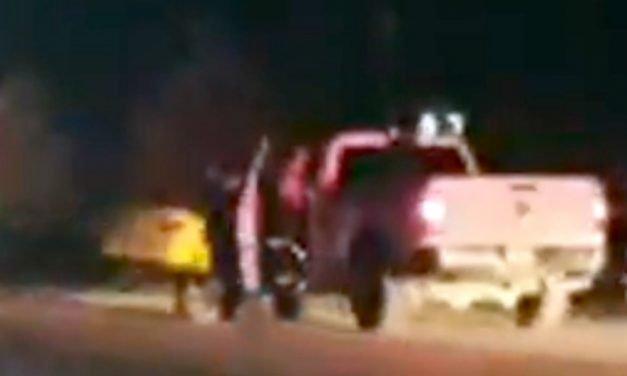 ¡1 muerta y 2 lesionados tras choque frontal entre una camioneta y un auto en Fresnillo!